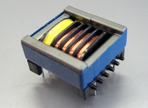 低背型高電圧トランス